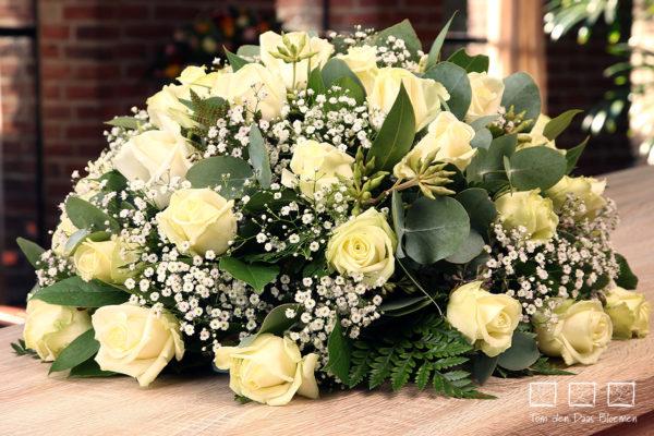 Rouwstuk- nr.09 biedermeijer witte roos1