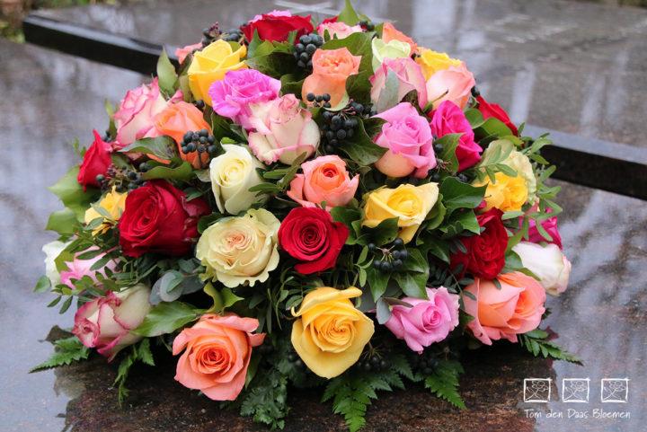 Nr10-biedermeijer gemengde rozen